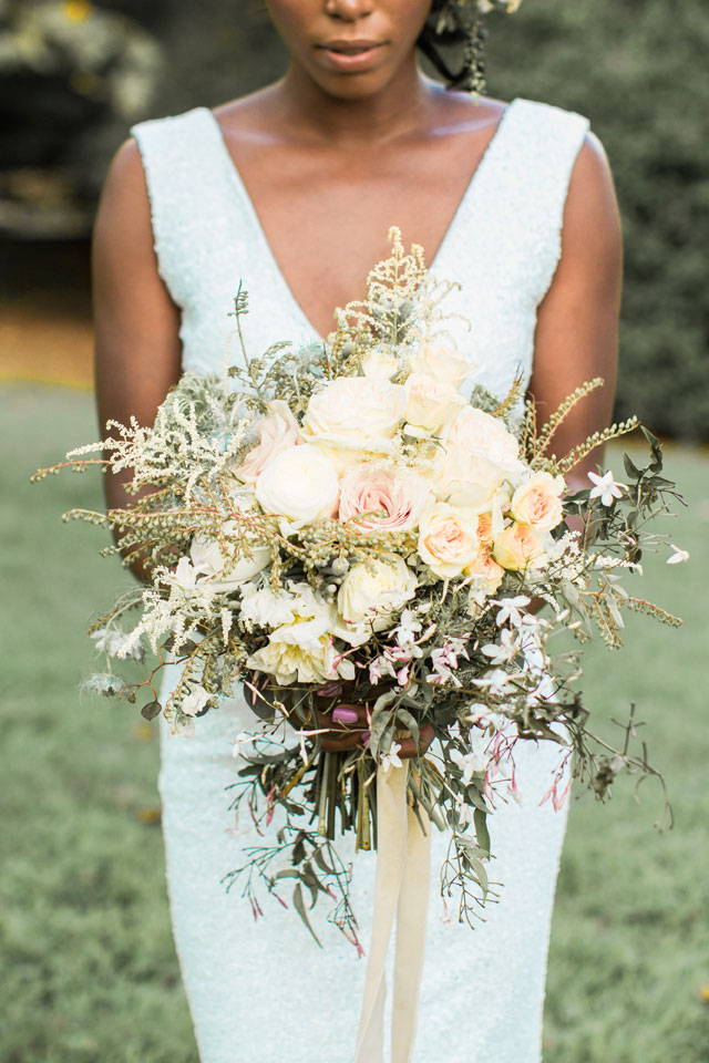 A quiet and intimate garden elopement inspiration shoot in Washington D.C. by Rayna Wooden Photography