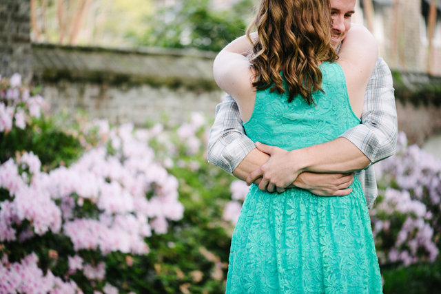 A sweet Southern engagement session in downtown Charleston // photos by Aaron and Jillian Photography: http://www.aaronandjillian.com || see more at: https://blog.nearlynewlywed.com/real-couples/engagements/sweet-southern-engagement-session-downtown-charleston