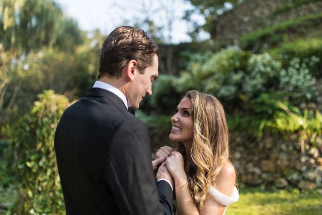 A romantic Kuhs Farm wedding under a majestic tree by Alec Vanderboom and Cosmopolitan Events