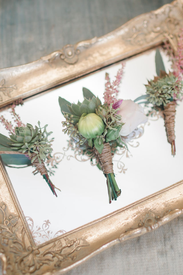 A gorgeous peach, blush and mint travel themed wedding by Alicia Lacey Photography
