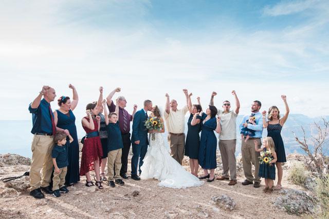 A simple and intimate Grand Canyon wedding by Alisha Hunsaker Photography