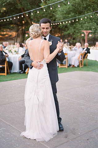 A dreamy summer al fresco California wedding with ivory, blush and lavender hues   Allie Lindsey Photography: http://www.allielindsey.com