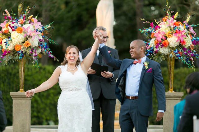 A vibrant autumn French Quarter wedding with New Orleans flair // photos by Arte De Vie: http://www.artedevie.com || see more on https://blog.nearlynewlywed.com