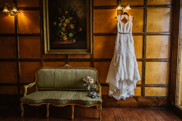 An eclectic, vintage-inspired wedding in Tampa with fabulous blue details and succulents | Ashlee Hamon Photography: http://www.ashleehamon.com
