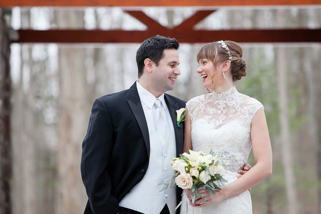 A snowy cranberry-hued holiday mountain wedding at the Stroudsmoor Country Inn // photo by Ashley Bartoletti Photography: http://www.ashleybartoletti.com || see more on https://blog.nearlynewlywed.com