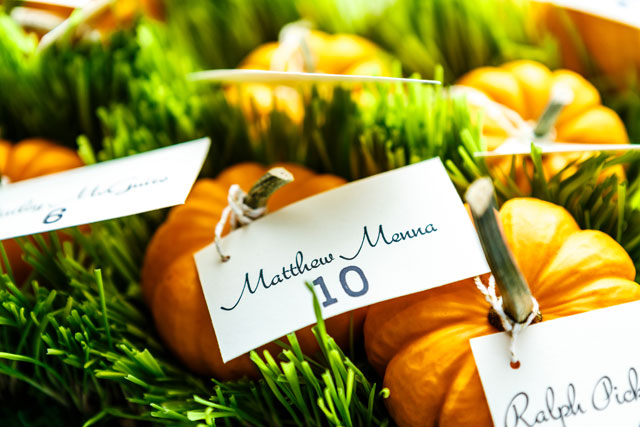 A fall wedding at French Creek Golf Club bursting with vibrant color | Bartlett Pair Photography: http://bartlettpairphotography.com