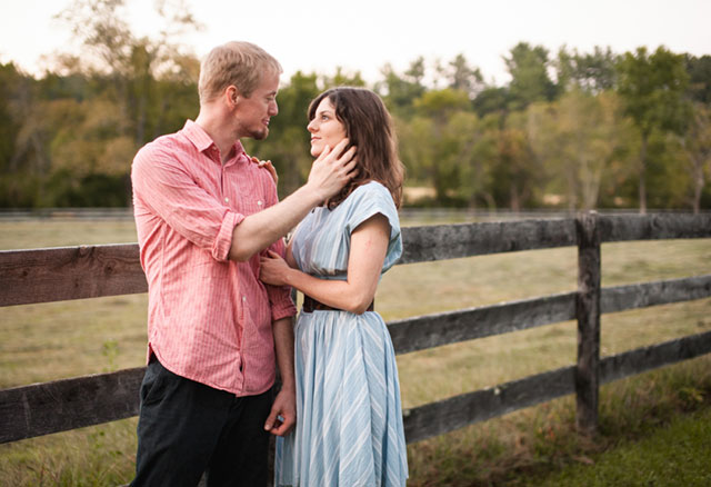An autumn country cottage engagement session in Virginia // photo by Bethany Snyder Photography: http://www.bethanysnyderphotography.com || see more on https://blog.nearlynewlywed.com