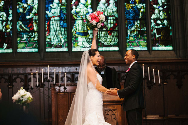 A chic ivory and pink wedding with Mexican heritage in St. Louis // photos by Carretto Studio Photography: http://carrettophoto.com || see more on https://blog.nearlynewlywed.com