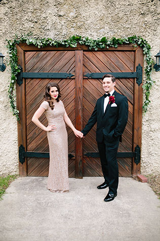 A glam Hollywood inspired anniversary session at a winery in Colonial Williamsburg by Chelsea Anderson Photography