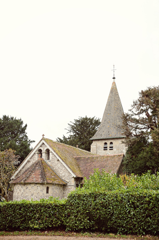 A white and silver holiday wedding in the English countryside by Claire Barrett || see more on blog.nearlynewlywed.com