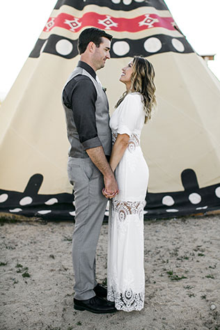 An offbeat and eclectic Joshua Tree wedding at an airstream park by Corrie Lynn Photo