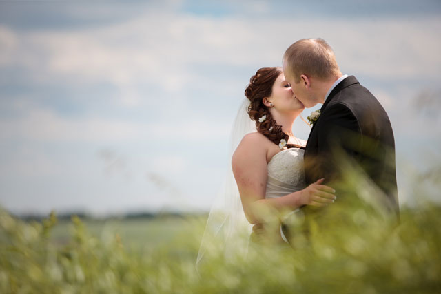 A rustic country wedding at the family farm in Alberta // photo by Crown Photography: http://www.crownphotography.ca || see more on https://blog.nearlynewlywed.com