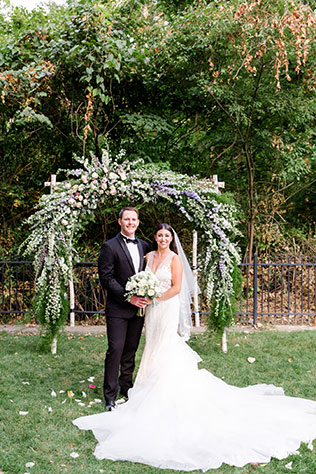A stunning and glamorous al fresco garden wedding in Indianapolis by Danielle Harris Photography