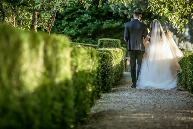 A beautiful and rustic al fresco olive grove wedding in Tuscany by David Bastianoni