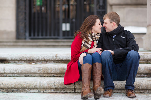 A cozy Boston engagement session in winter // photo by Deborah Zoe Photography: http://www.deborahzoephoto.com || see more on https://blog.nearlynewlywed.com