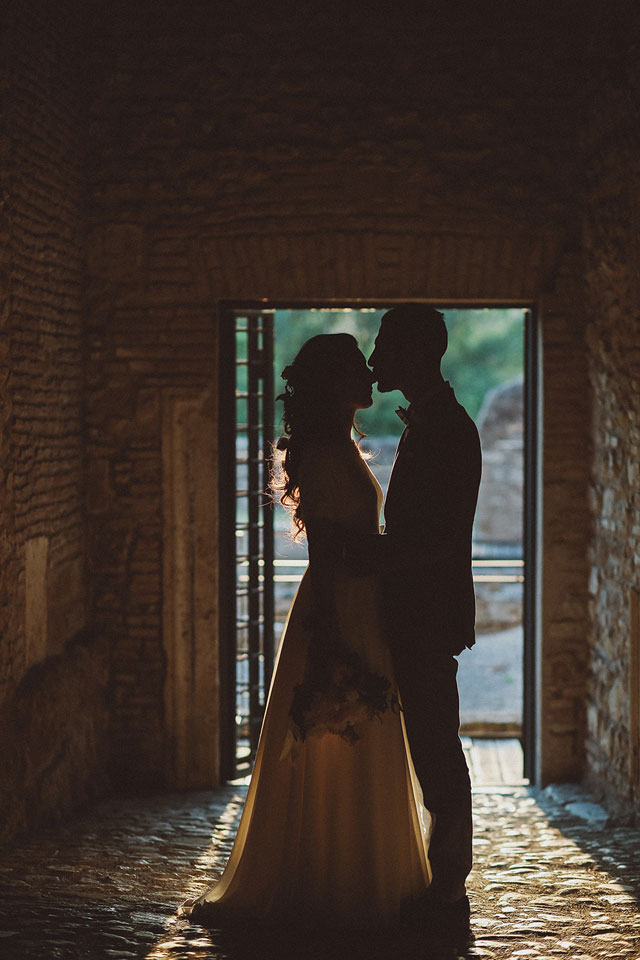 A refined and romantic Italian wedding at the Abbey of Sant'Andrea in Flumine by effeanfotografie