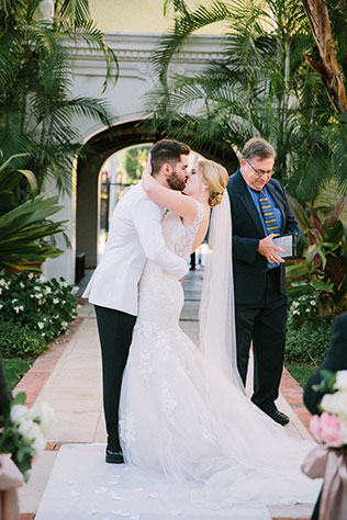 A simply elegant backyard wedding after a ceremony at the Brazilian Court Hotel by Erica J Photography