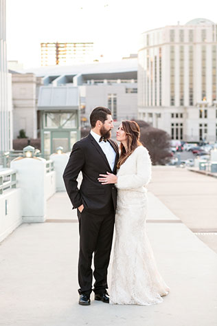 An intimate winter elopement at The Hermitage Hotel in Nashville by Erin Lee Allender Photography