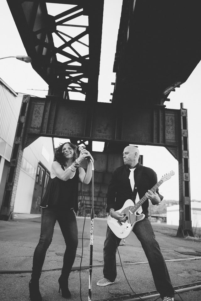 An edgy engagement shoot in the Strip District in Pittsburgh | Eva Lin Photography: evalinphotography.com