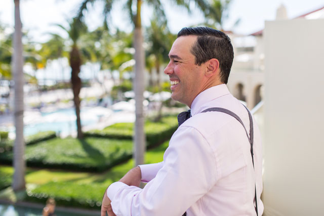 A Key West wedding on the beach at Casa Marina Resort with 1920s inspired details | Filda Konec Photography