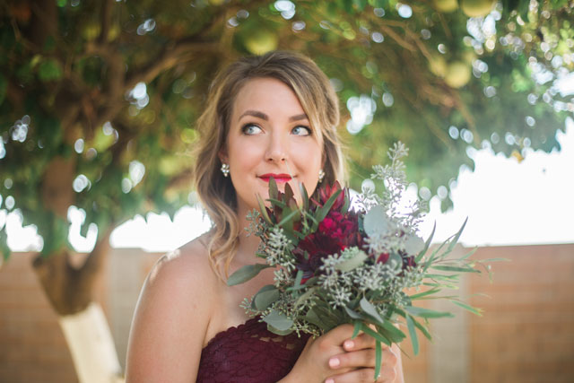 A bohemian chic Webster Farm wedding with burgundy details by Genevieve Hansen Photography