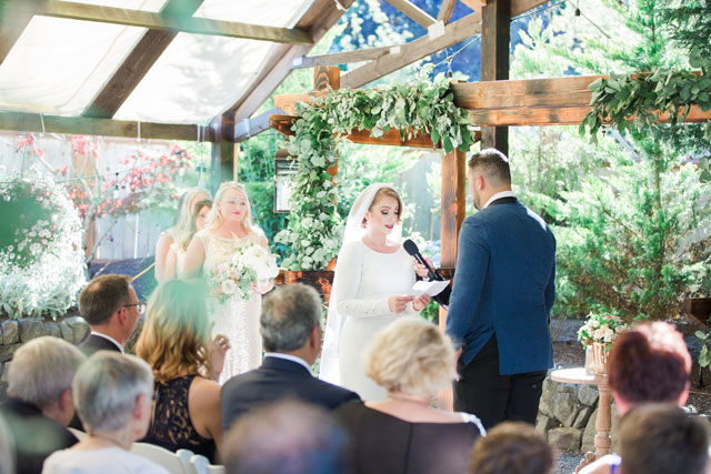 A chic and timeless wedding at Lucy's Garden by Hannah Bjorndal Photography LLC