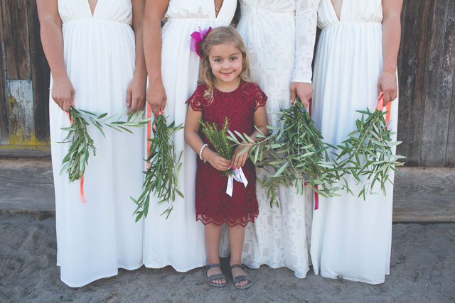 A laidback and DIY infused indie autumn backyard wedding in California | Hannah Kate Photography