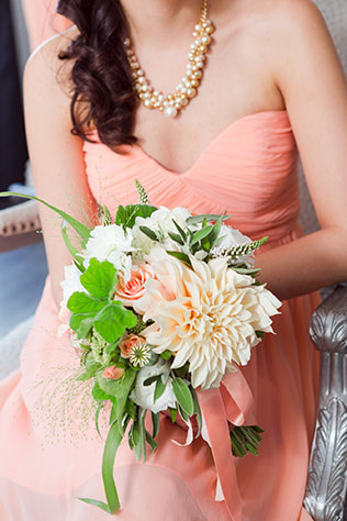 A lovely estate wedding with vintage lace and peach accents | Heather Scharf Photography: http://www.heatherscharfphotography.com