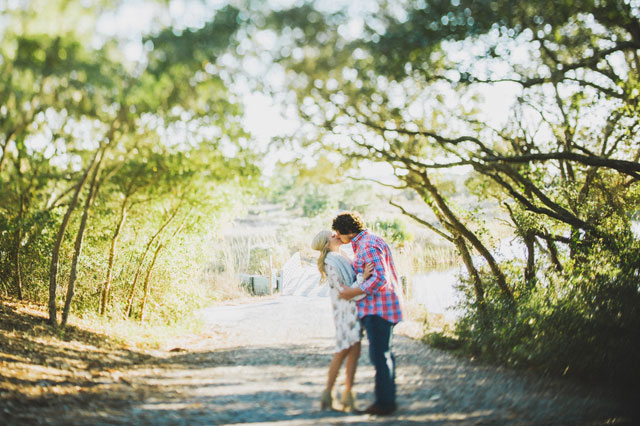 A couple celebrates two years of marriage with a sweet anniversary session | Hello Miss Lovely: hellomisslovelyphotography.com