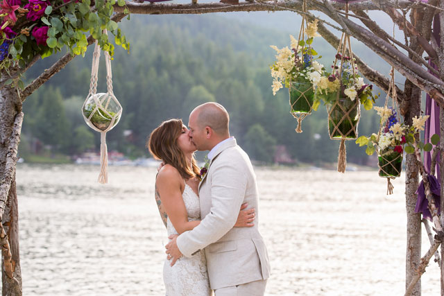 A lake house wedding in Northern Idaho with a bohemian and eclectic vibe by Jerome Pollos Photography