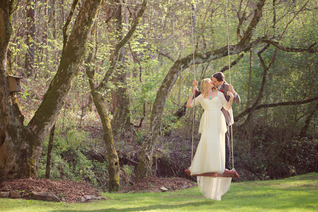 A free-spirited and whimsical homemade wedding in the woods of Tennessee | Julie Roberts Photographic Artist: http://www.julierobertsphoto.com