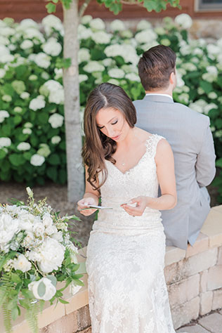 A fabulous summer mountain wedding at the Irvine Estate in Lexington by Kathryn Ivy Photography