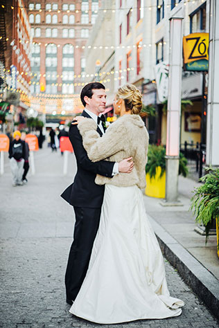 A glam and glitzy New Year's Eve wedding celebration in Cleveland | Kayla Coleman Photography: http://www.kaylacolemanphotography.com