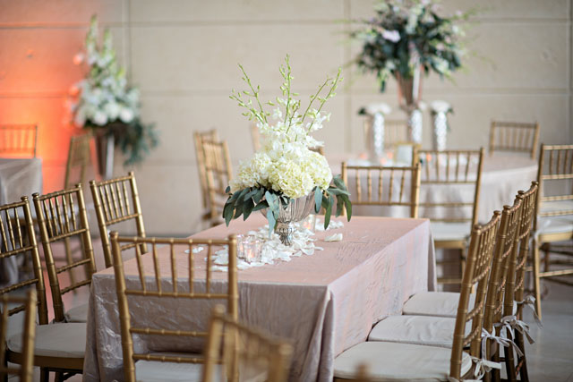 A luxe wedding at the Museum of Fine Arts in St. Petersburg with a blush and gold palette | Kristen Weaver Photography: http://www.kristenweaver.com