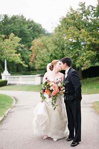 A quirky yet chic autumn wedding at the Cleveland Botanical Garden | Lane Baldwin Photography: http://www.lanebaldwinphotography.com