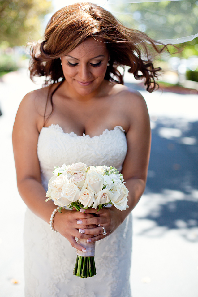 A classic ivory and gray summer wedding at a family farm in California // photos by Laura Hernandez Photography: http://www.laurahernandezphotography.com || see more on https://blog.nearlynewlywed.com