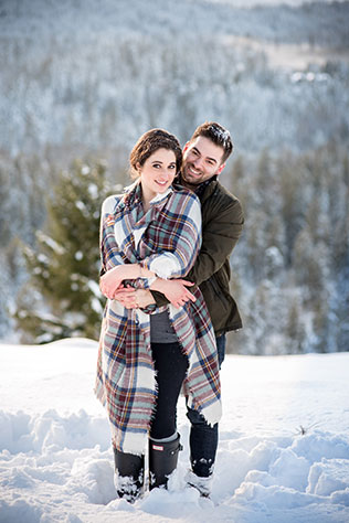 A snowy surprise proposal in the foothills of Snoqualmie Pass by Lauren Ryan Photography