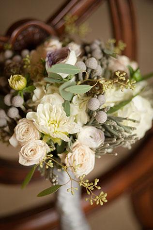 A cozy autumn winery wedding in Virginia   Lelia Marie Photography: http://www.leliamarie.com