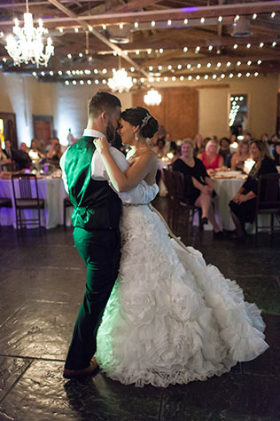A romantic Southern wedding at a railroad museum in Savannah by Leslie West Photography
