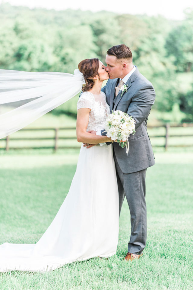A stylish and classic Rixey Manor wedding in green and gold with a Jane Austin vibe by Lieb Photographic LLC