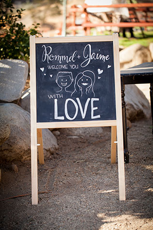 A sweet and personal budget wedding at Sweet Pea Ranch with a zebra | Litetrap Weddings: litetrapweddings.com