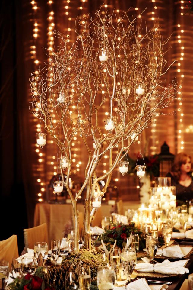 A luxurious après ski wedding with a warm holiday glow | Logan Walker Photography: http://www.loganwalkerphoto.com