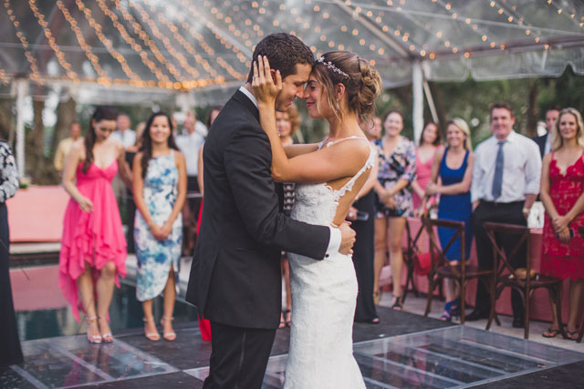 A lovely summer backyard wedding at the Winter Park family home by Lora Rodgers Photography