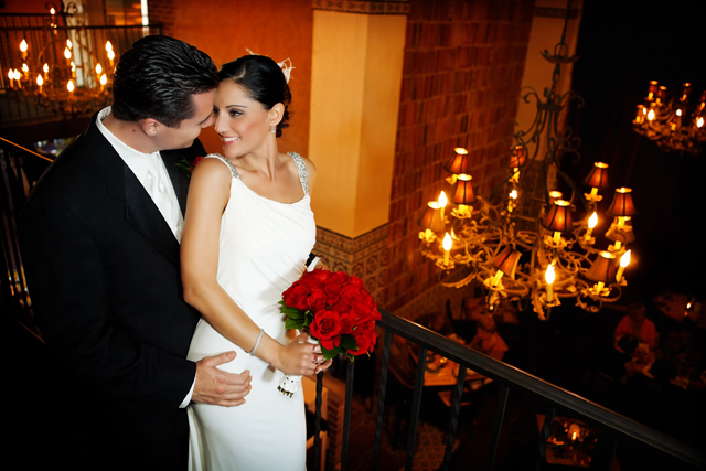 A stunning and modern Spanish inspired wedding // photos by Maria Angela Photography: http://www.maria-angela.com || see more on https://blog.nearlynewlywed.com