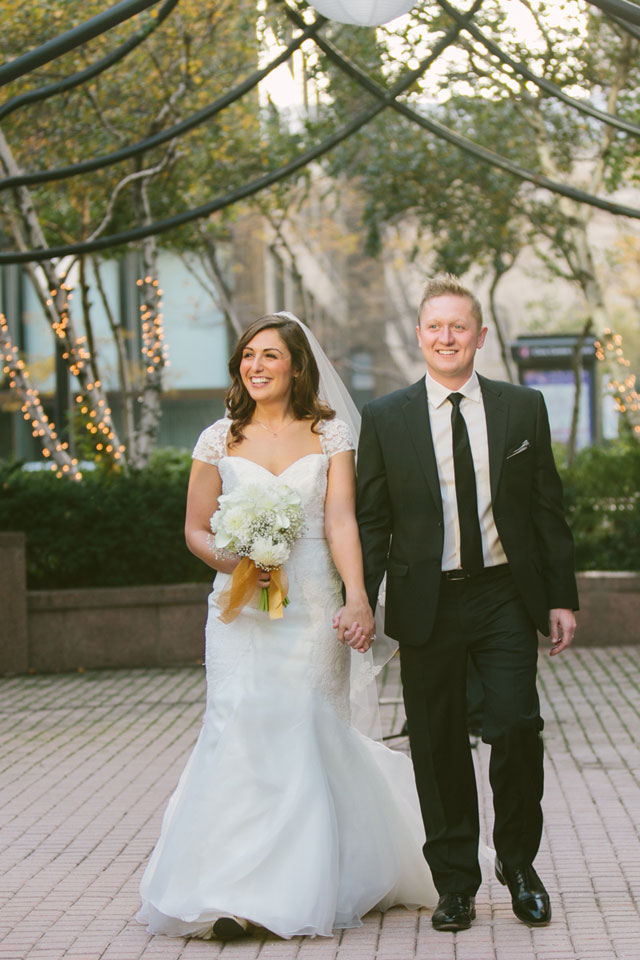 A stunning black, white and gold wedding set in downtown Cleveland   Maria Sharp Photography: http://www.mariacsharp.com