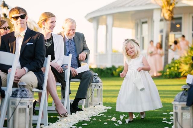 A sweet blush Florida wedding at the Boca Bay Pass Club // photos by Marissa Moss Photography: http://www.marissa-moss.com || see more on https://blog.nearlynewlywed.com