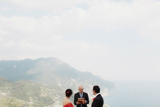 An intimate wedding in Ravello with a stunning bride in red by Matteo Crescentini