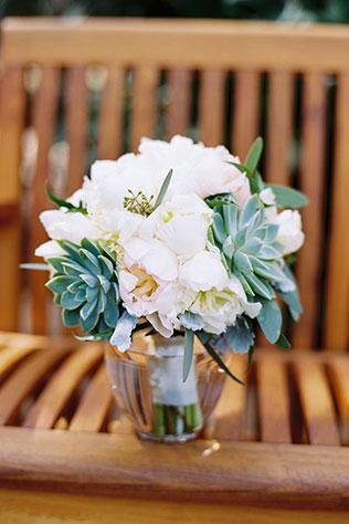 An elegant emerald green seaside wedding at the Horseshoe Bay Resort // photo by Matthew Johnson Studios: http://matthewjohnsonstudios.com || see more on https://blog.nearlynewlywed.com