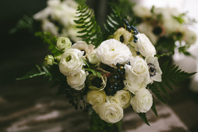 A modern Aspen Art Museum wedding with lovely blue watercolor details by Matthew Speck Photography