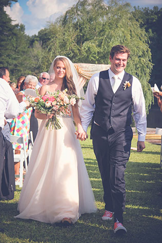 A Southern lakeside wedding in summer with DIY details // photo by Melissa Hayes Photography, LLC: http://www.melissahayesphotoatl.com || see more on https://blog.nearlynewlywed.com